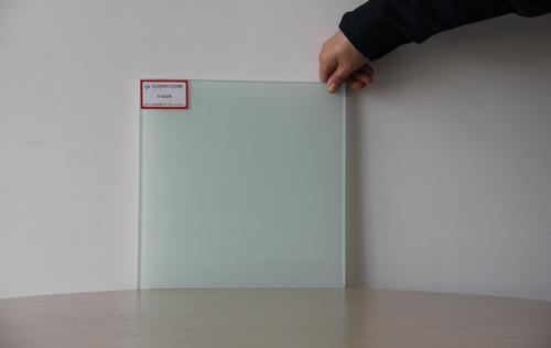 常熟钢化玻璃